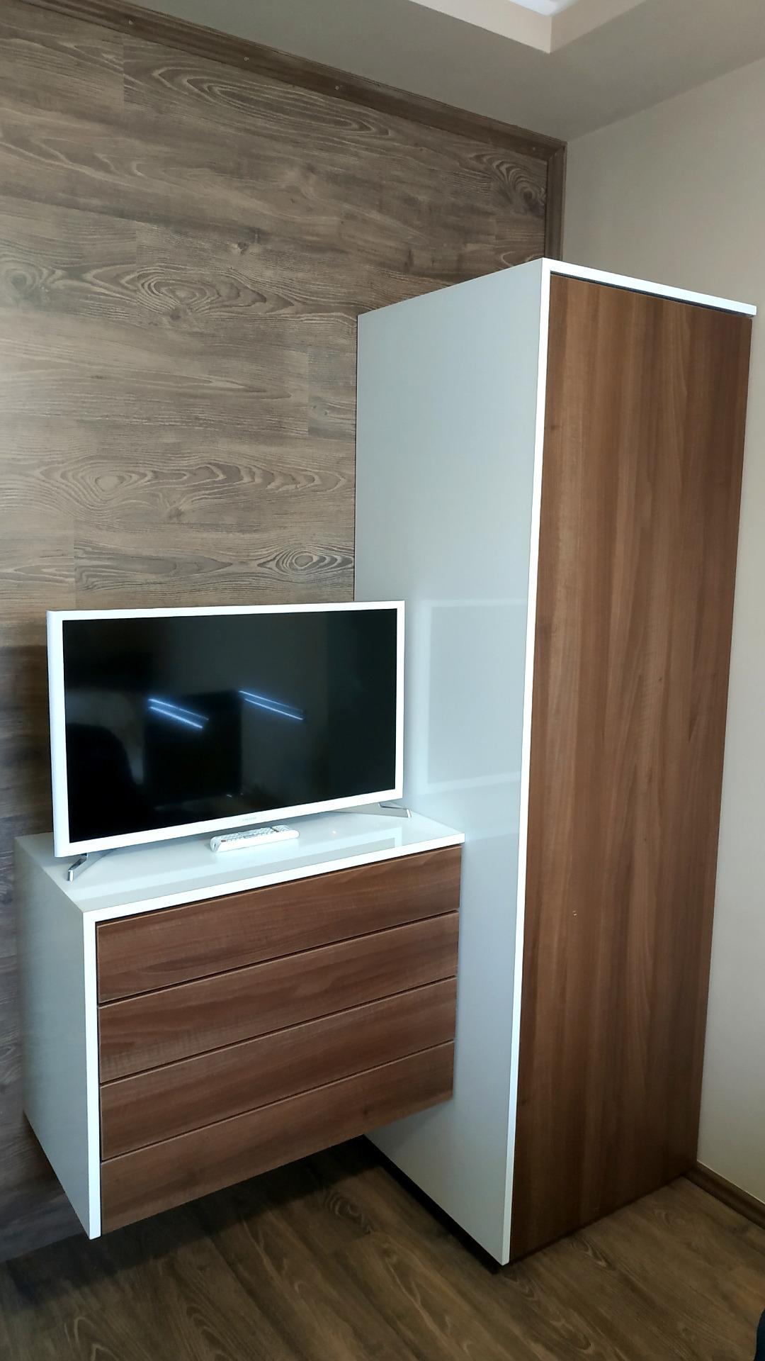 egyedi hálószoba bútor